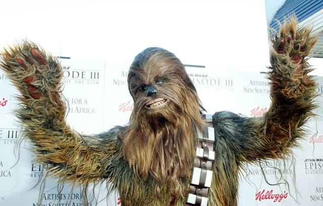 <p>Cada año, millones de seguidores de la saga <em>Star Wars</em> inundan redes sociales con mensajes e imágenes, o realizan maratones con cada una de las películas para conmemorar el día May the 4th Be With You.</p>