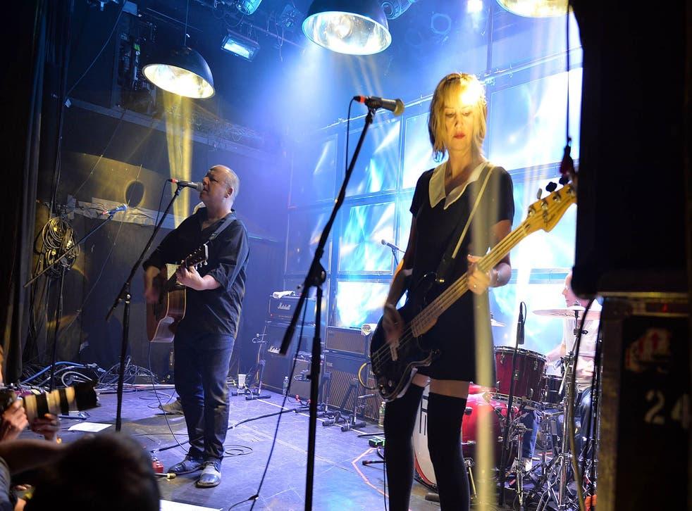 Pixies perform in New York