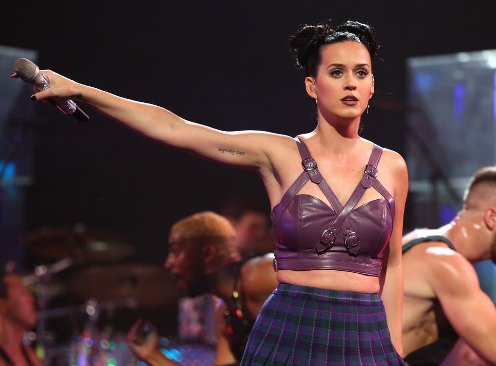 Katy Perry singing at the iTunes festival