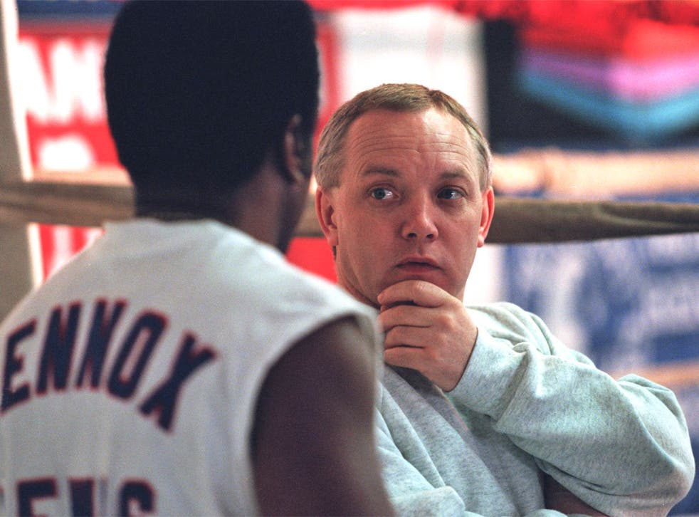 Frank Maloney talks to Lennox Lewis in 1995