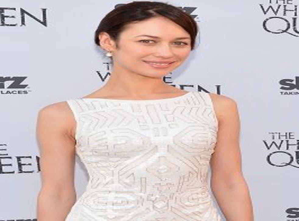 Former Bond girl Olga Kurylenko has been cast opposite Russell Crowe in his upcoming directorial debut