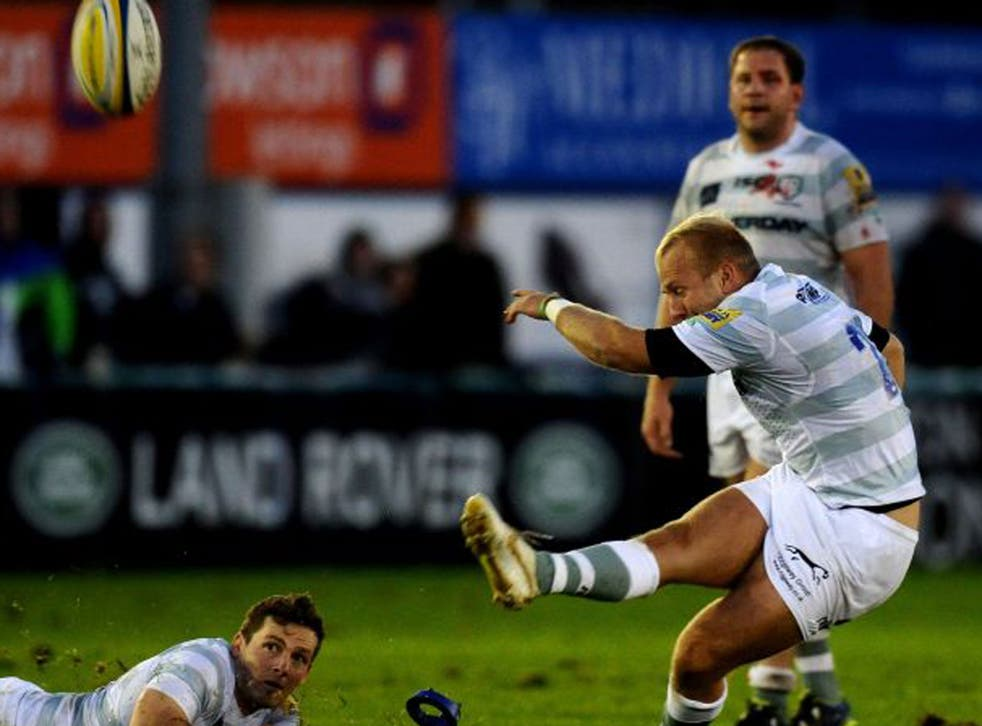 London Irish fly-half Shane Geraghty fires his late kick short