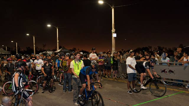 Bicycle gangs of Los Angeles: The quintessential car city ...