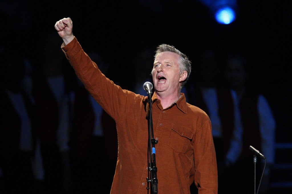 Billy Bragg hits back at musicians\u0026#39; criticism of Spotify ...