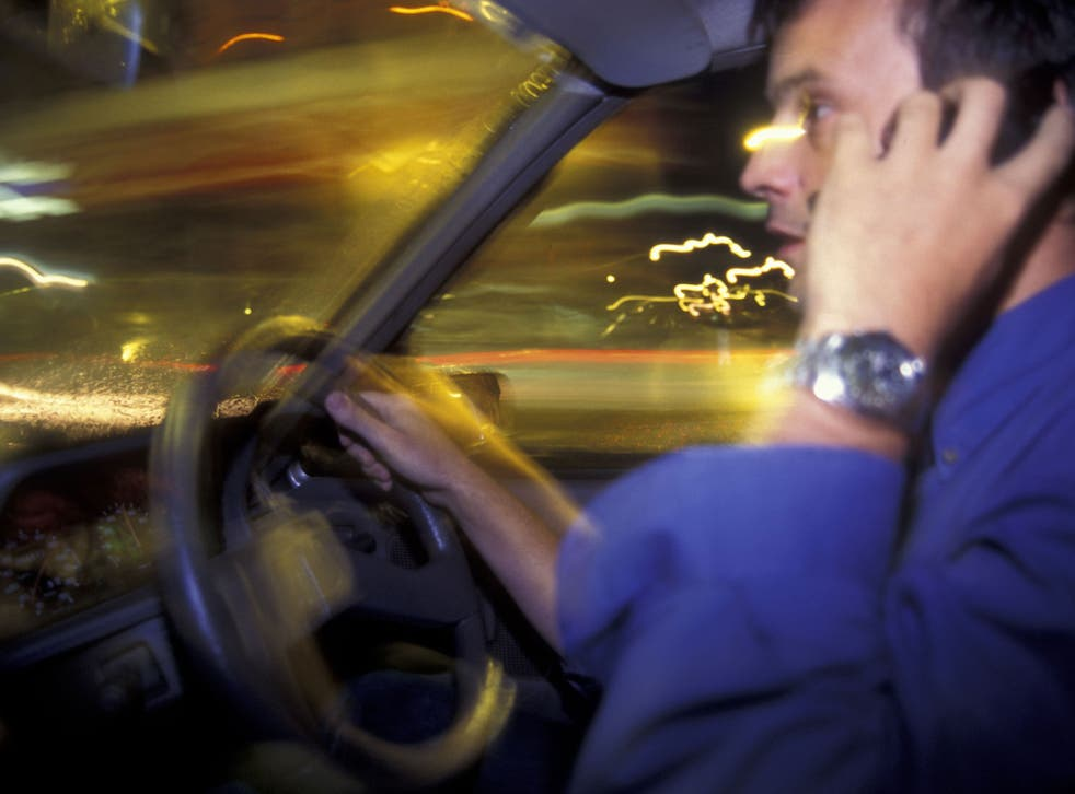 Wheel and present danger: driving while talking