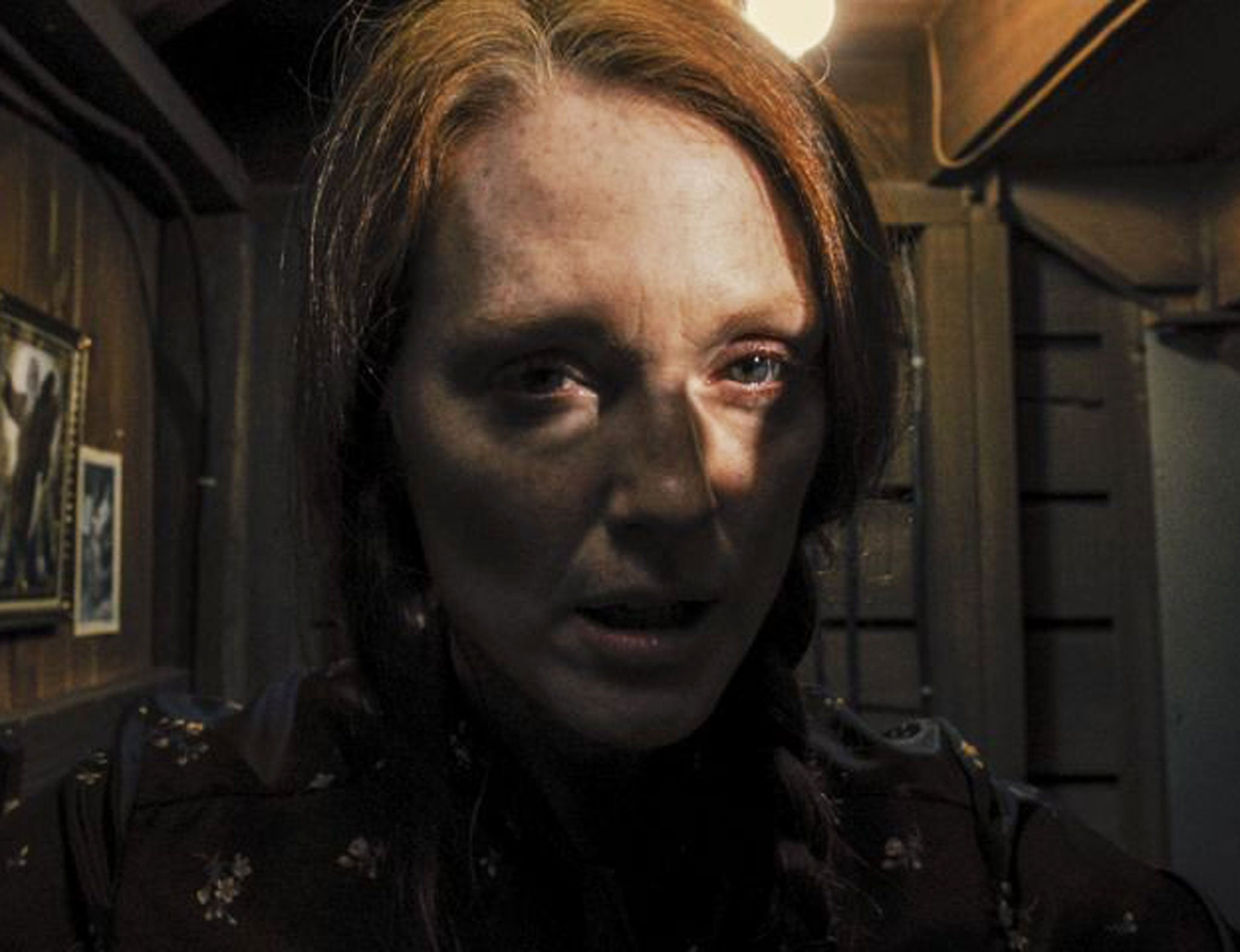 julianne moore on carrie and the mother of all horror