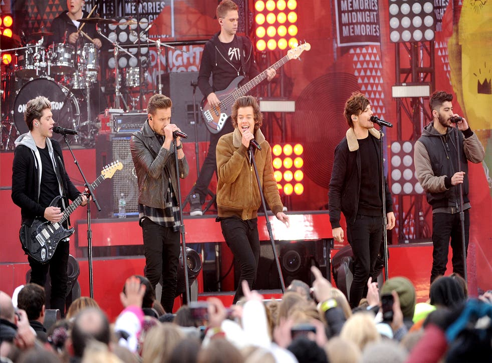 Niall Horan, Liam Payne, Harry Styles, Louis Tomlinson and Zayn Malik of One Direction performing in New York