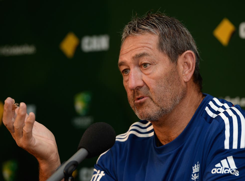 England batting coach Graham Gooch has called on the team to show a 'will' to win at Adelaide