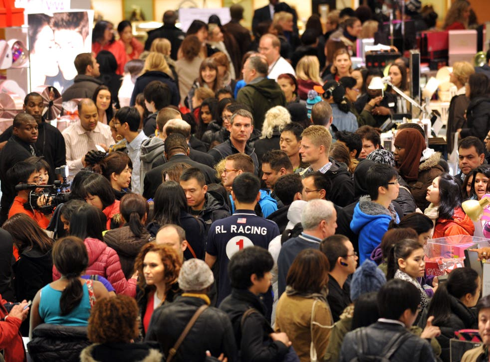 Thanksgiving weekend saw record crowds but spending declined amid heavy discounts