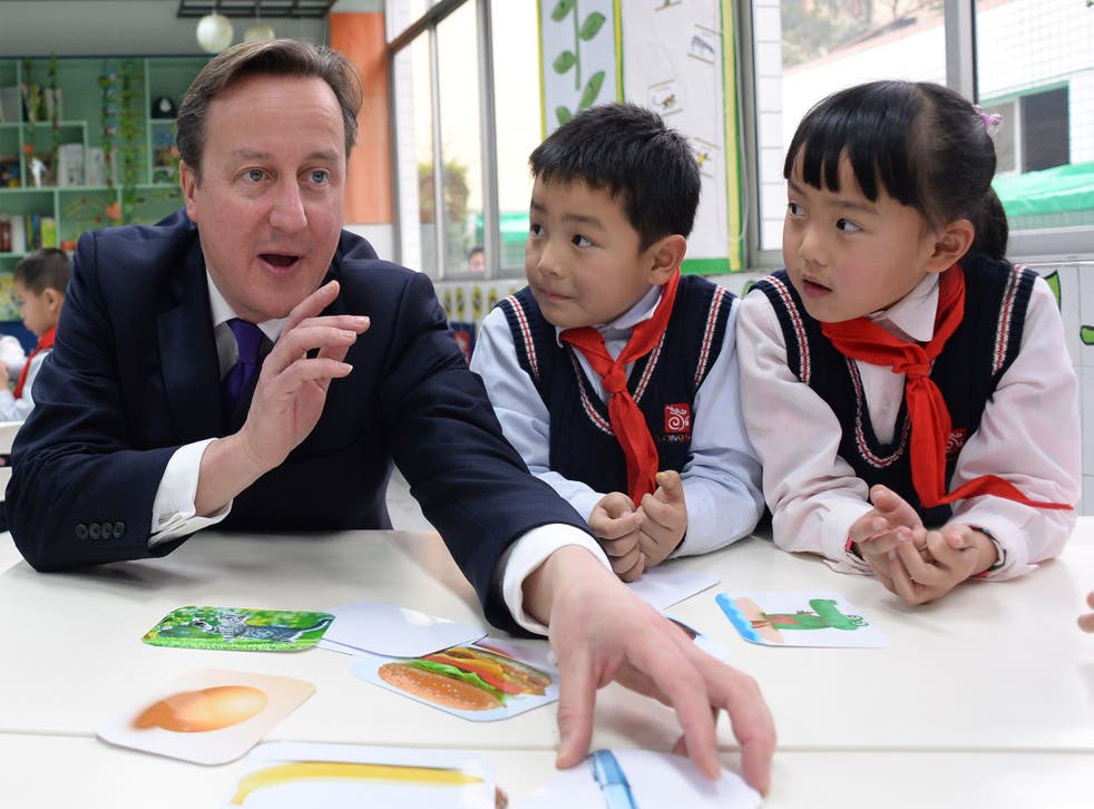 Prime Minister David Cameron meets pupils from Long Jiang Lu Primary School in Chengd