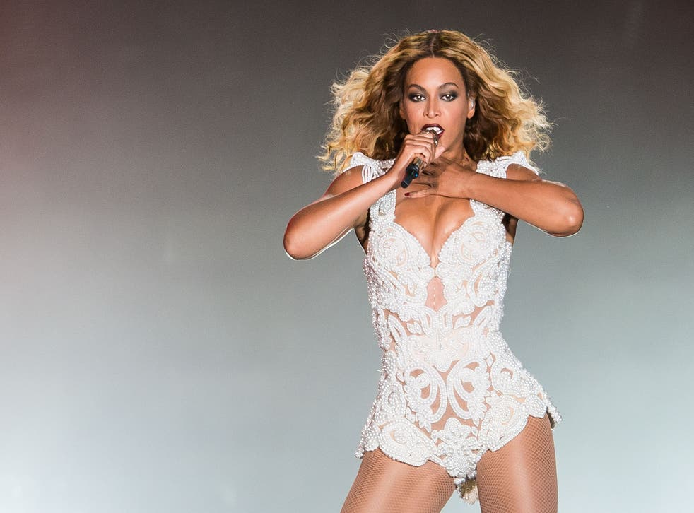 Beyonce guerrilla released an entire new album on iTunes