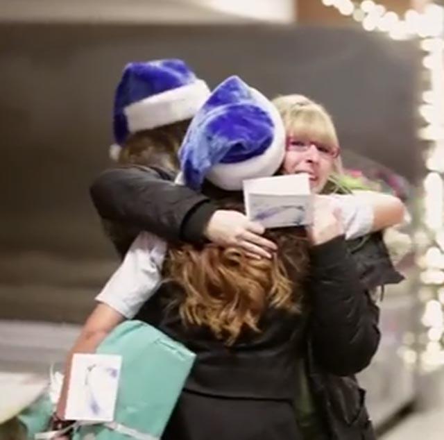 Video: WestJet Christmas miracle - Airline surprises passengers ...