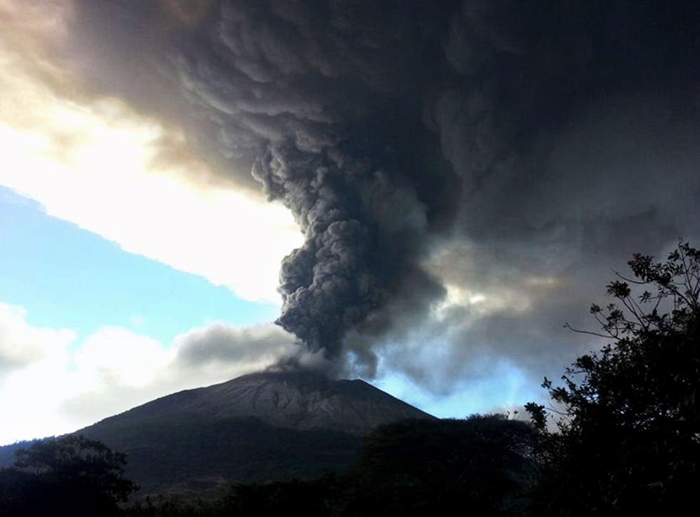 Authorities in El Salvador have started to evacuate the municipality of San Miguel after the Chaparrastique volcano erupted on Sunday
