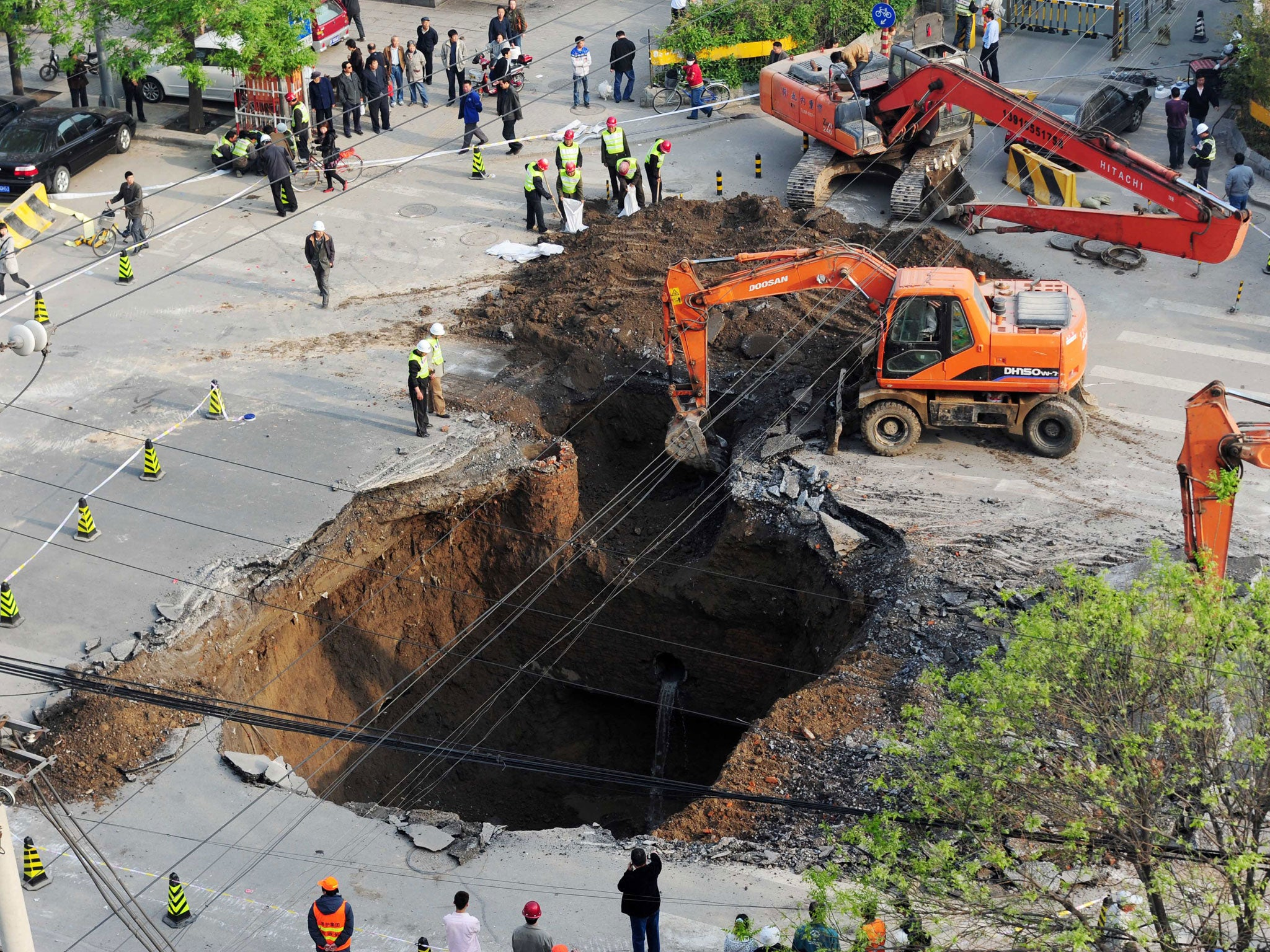 What Are Sinkholes How Do They Form And Why Are We Seeing