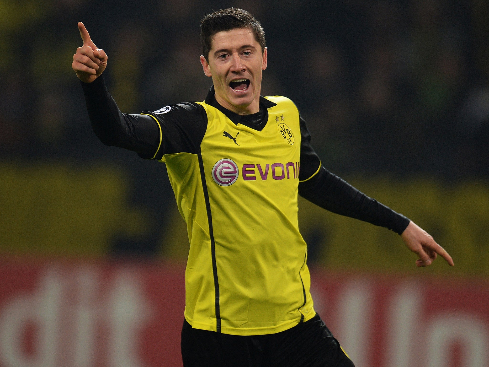 Transfer news Bayern Munich confirm signing of Robert Lewandowski