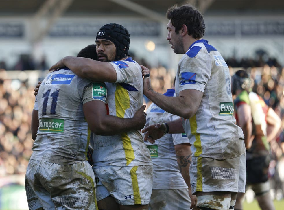 Clermont Auvernge celebrate after Sitiveni Sivivatu scored a late try to beat Harlequins