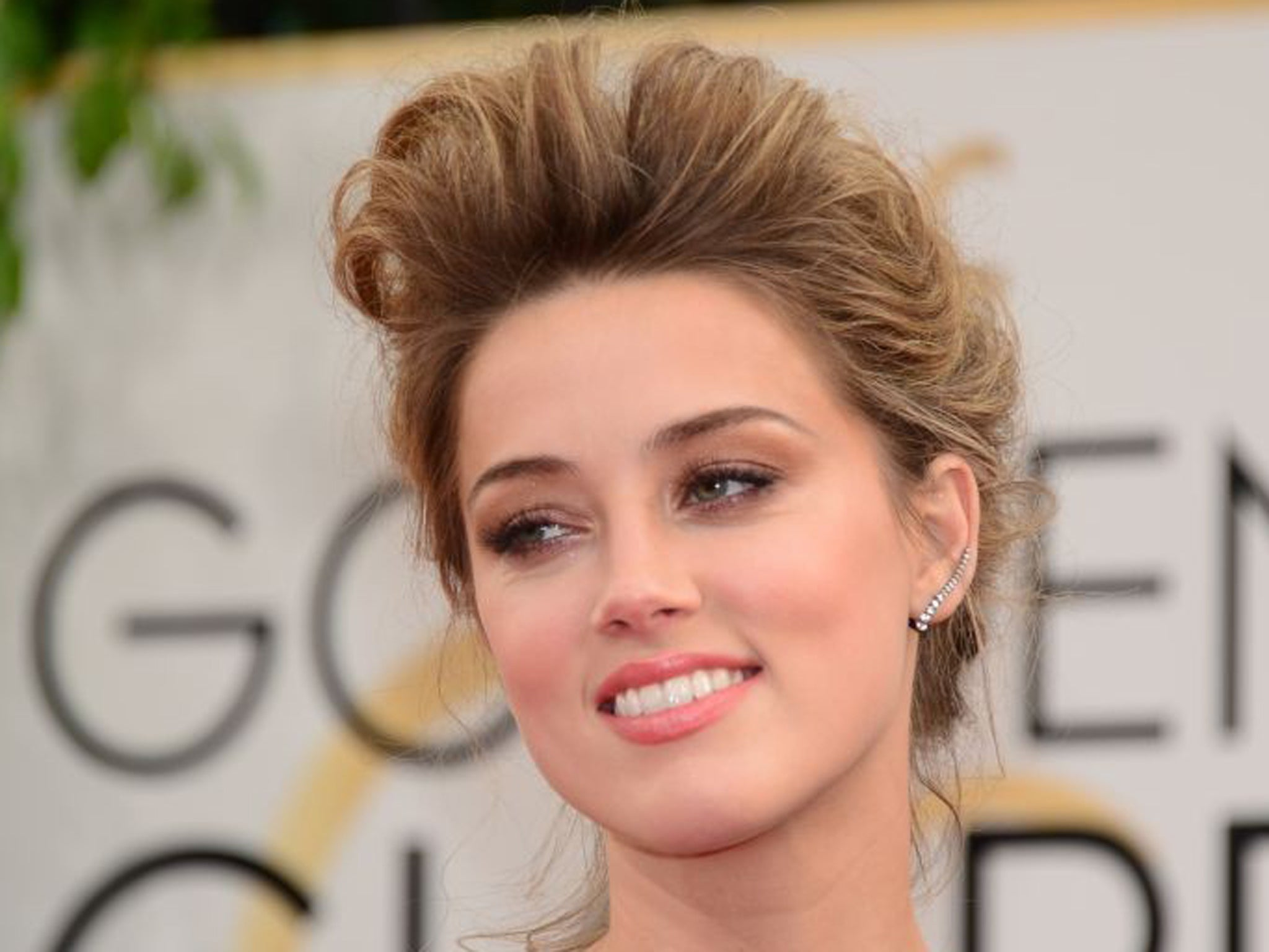 amber heard describes difficulty of coming out as bisexual while