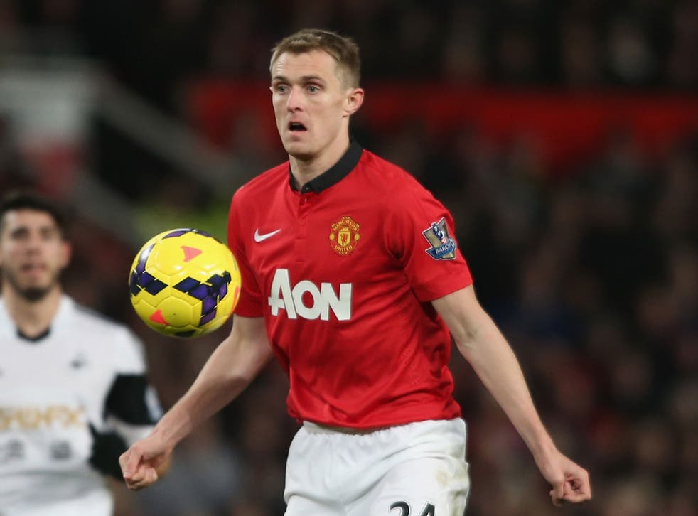 Darren Fletcher has denied claims of a dressing room rift between the Manchester United players and manager David Moyes