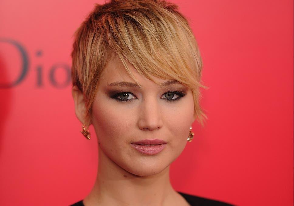 Jennifer Lawrence nude photos leak: FBI and Apple to