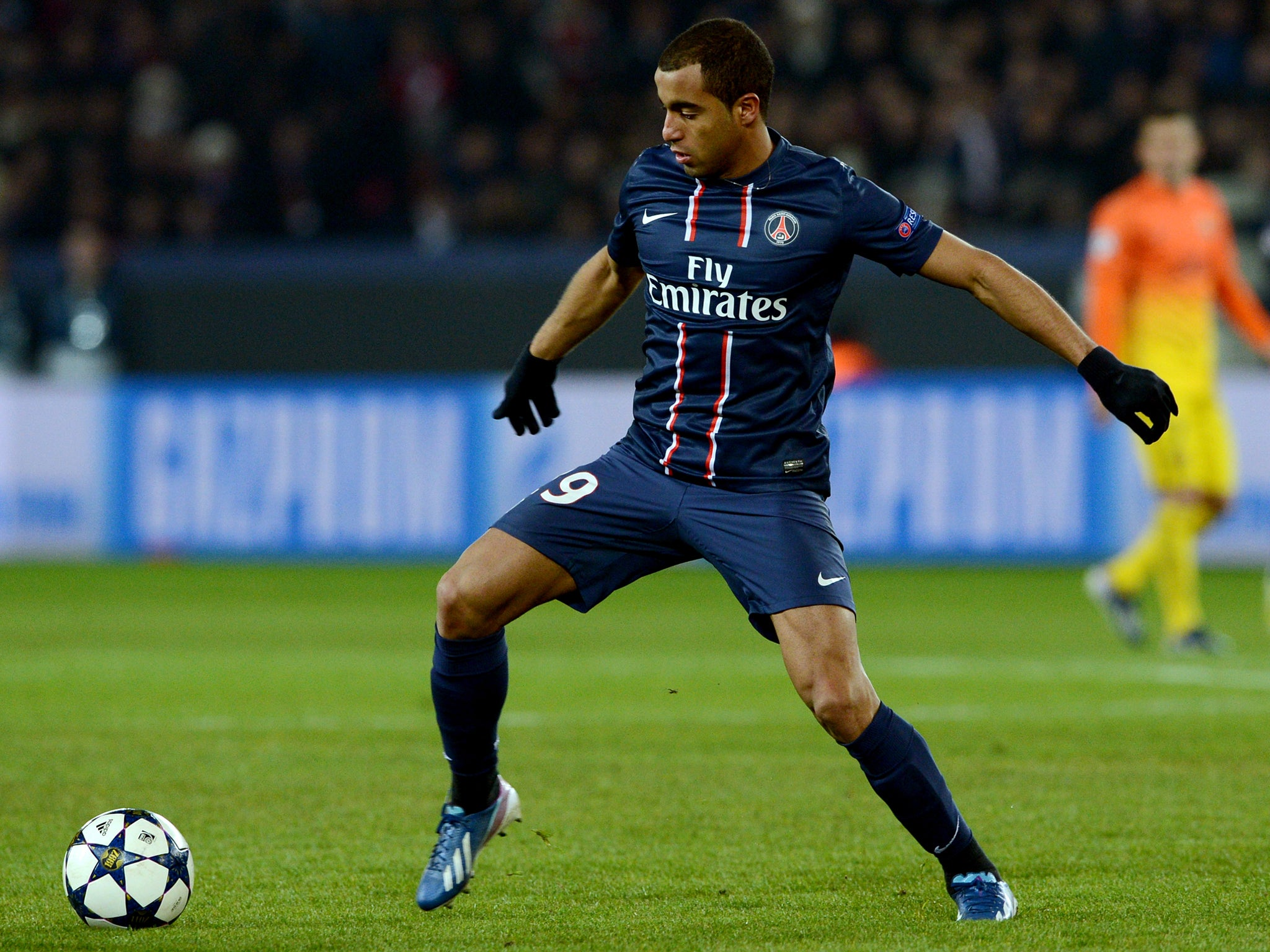 Transfer news Manchester United chase Paris Saint Germain star