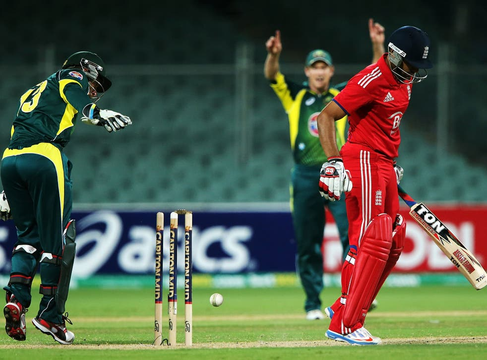 Ravi Bopara is controversially dismissed in the fifth ODI between England and Australia