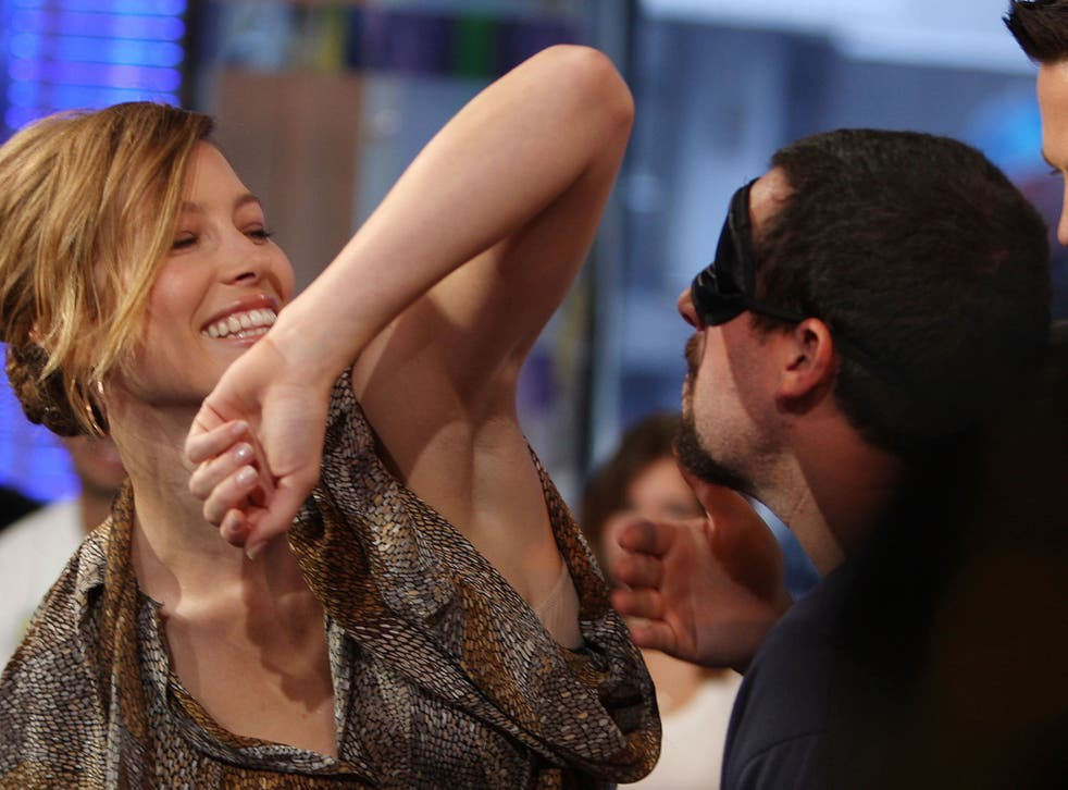 Armpit smelling: A new way of discovering illnesses?