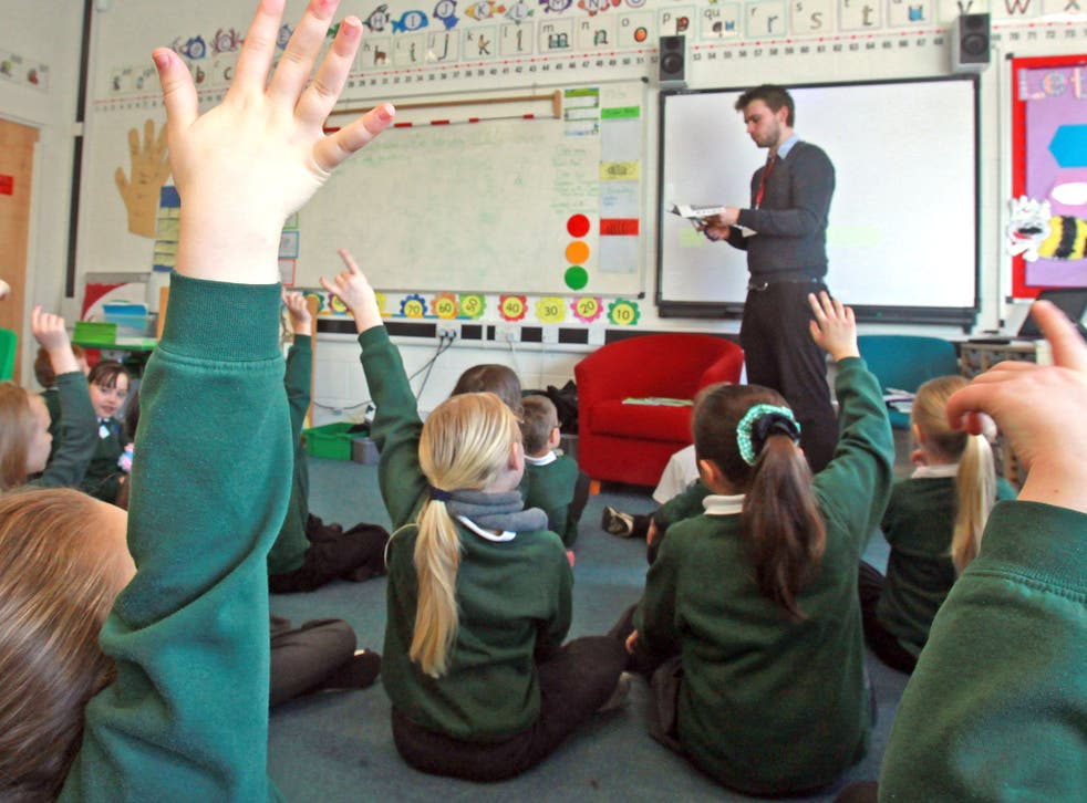 Under Labour's plan, Schools with oversized classes would have a year to bring them down to 30