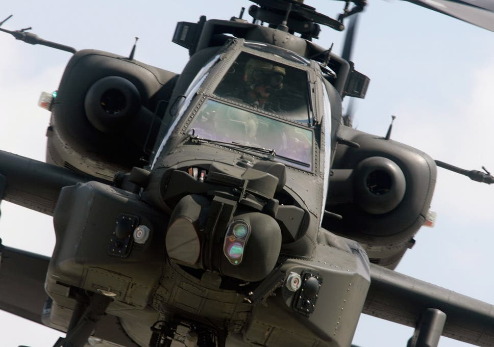 British Army helicopter pilots quit in row over wages | The