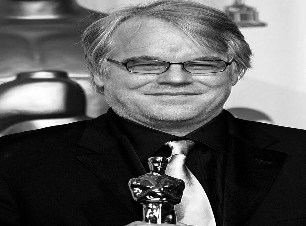 Hoffman with his Oscar for 'Capote'
