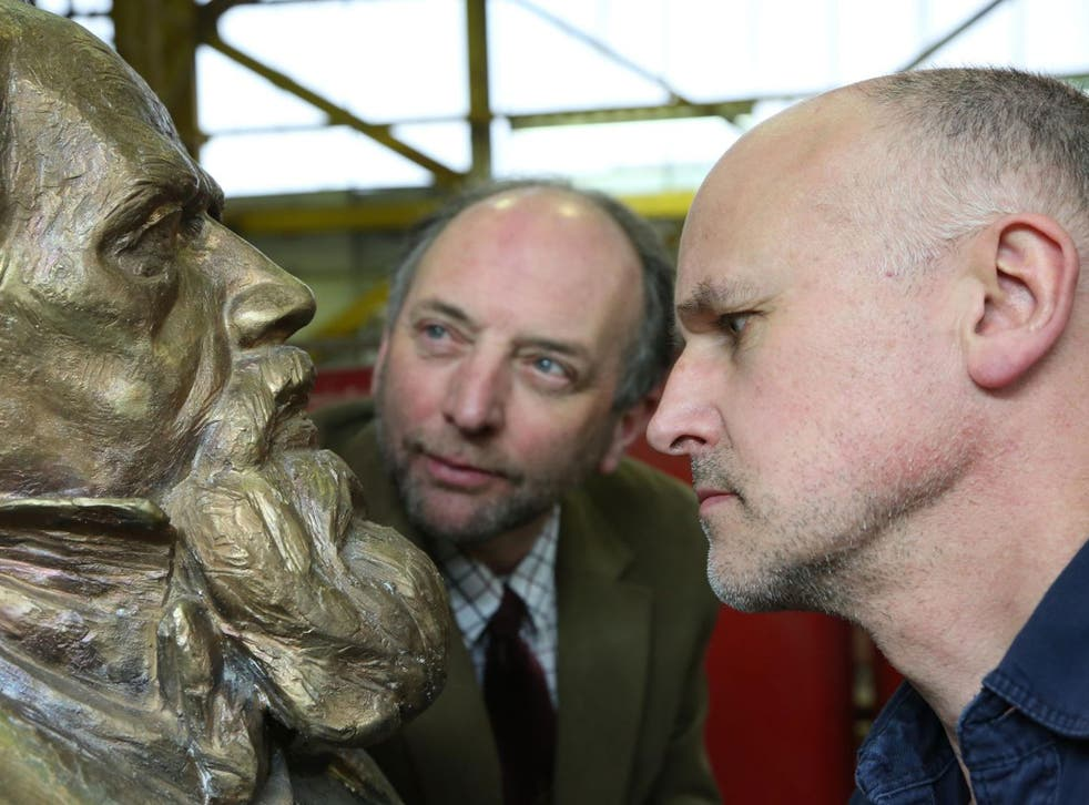 Ian Dickens (left), the great-great-grandson of the author, with sculptor Martin Jennings