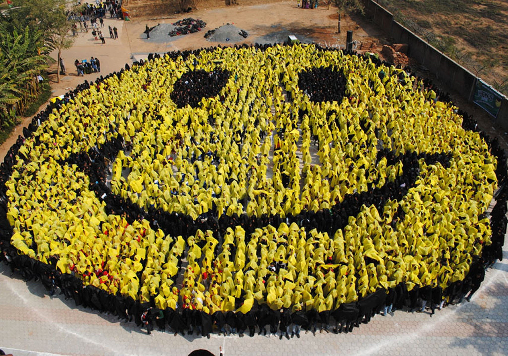 Happy days: Human brain now registers smiley face emoticon as real facial expression | The ...