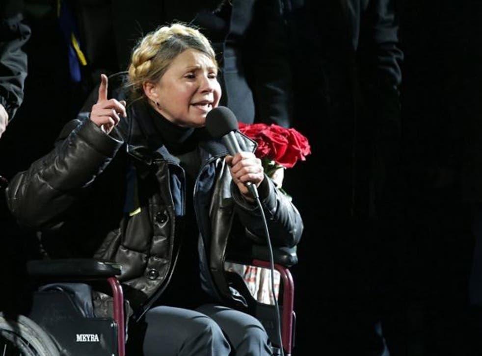 Yulia Tymoshenko address the crowd in Independence Square