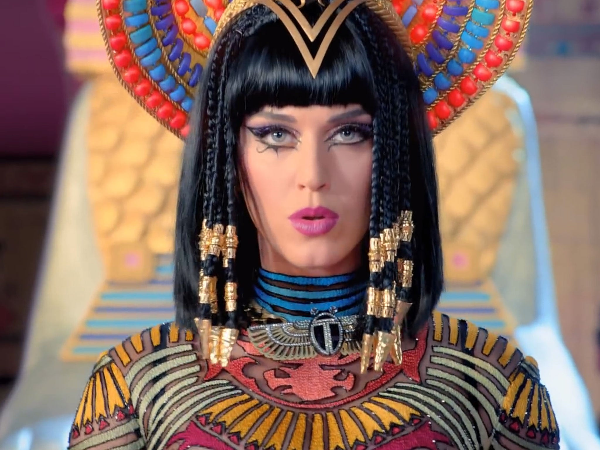 Katy Perry 'Dark Horse... Katy Perry Dark Horse