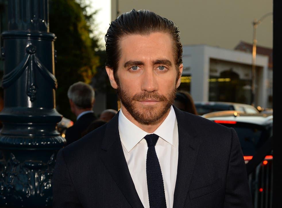 Actor Jake Gyllenhaal attends a premiere sporting a beard.