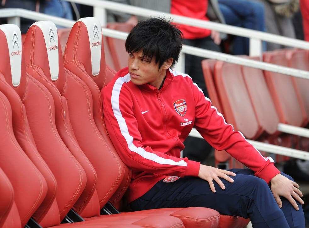 Ryo Miyaichi pictured on the bench for Arsenal