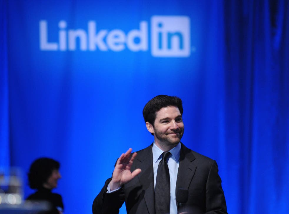 Linkedin CEO Jeff Weiner arrives at the Computer History Museum to host a Linkedin town hall meeting with US President Barack Obama September 26, 2011 in Mountain View, California