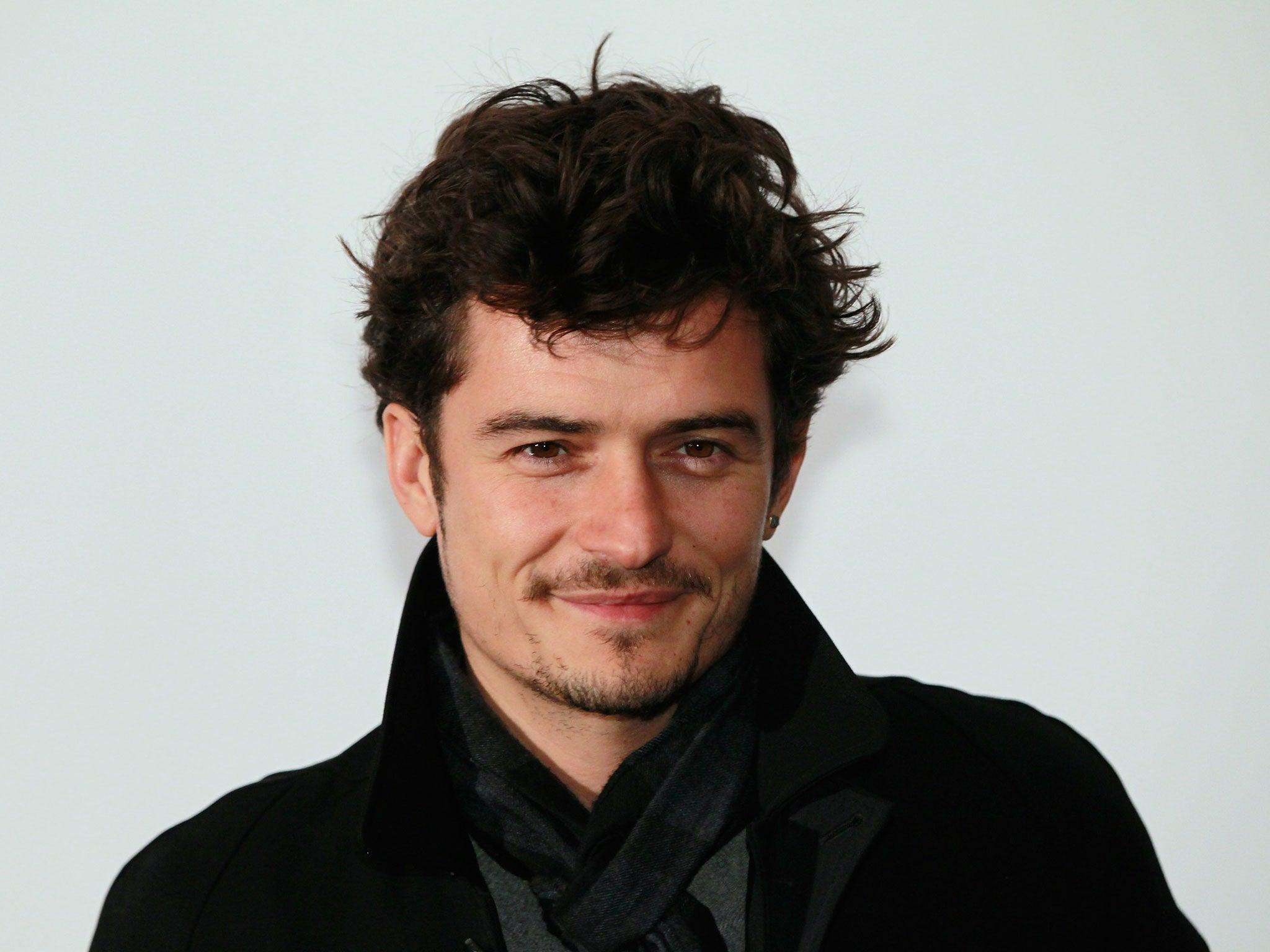 Orlando Bloom Victory Dances Like No One S Watching