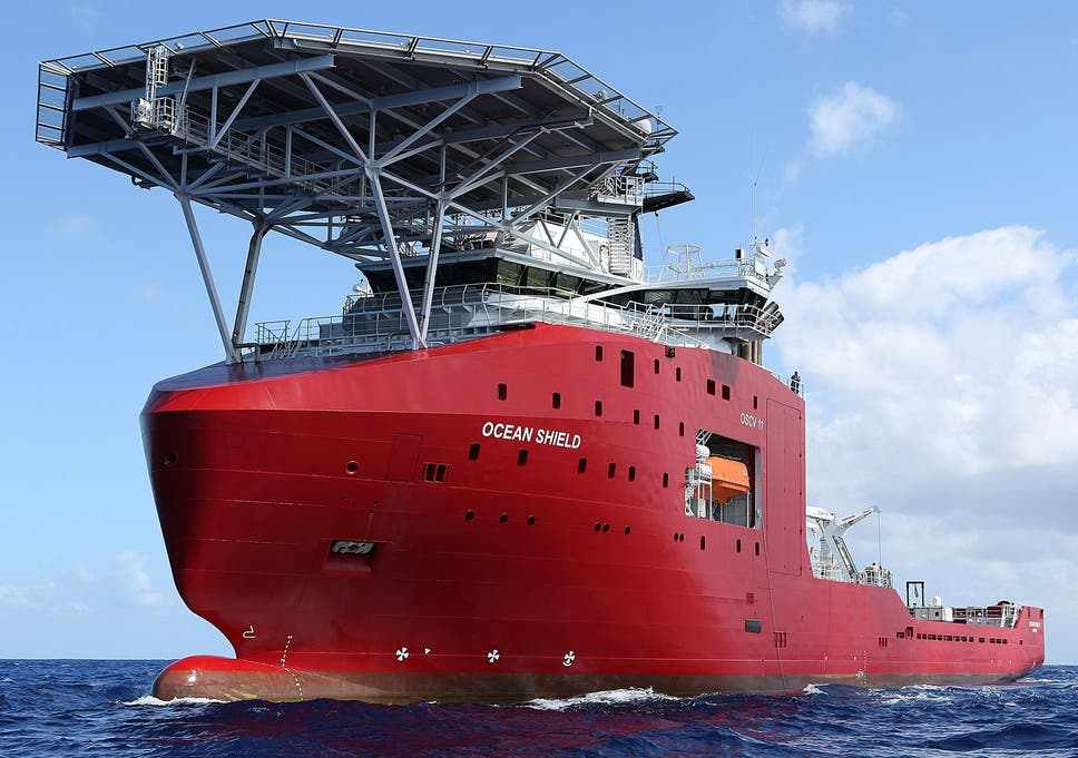 Missing Malaysia Airlines Flight Mh370 Navy Divers To Trawl Search