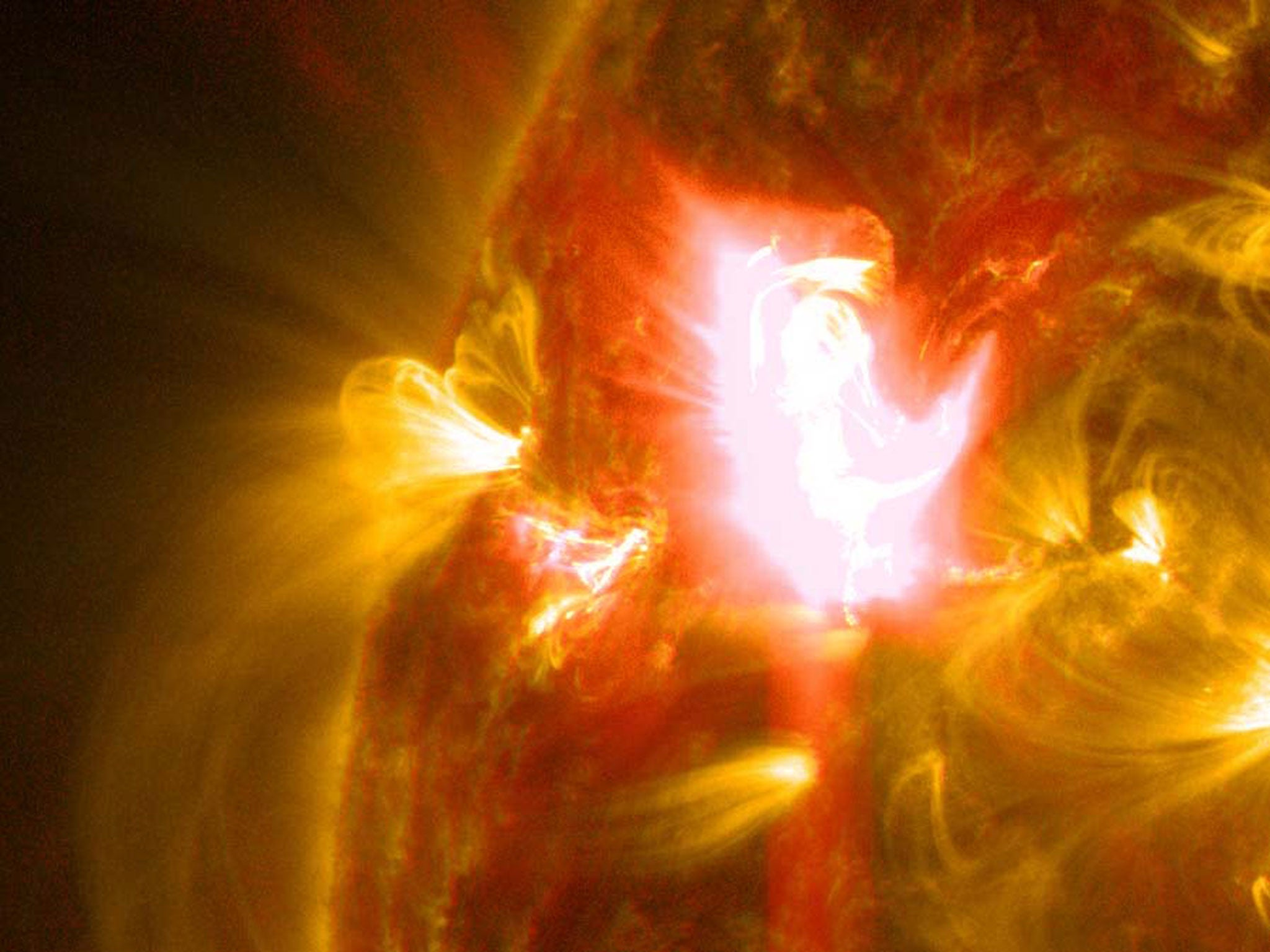 Solar flare captured in incredible Nasa footage | The ...