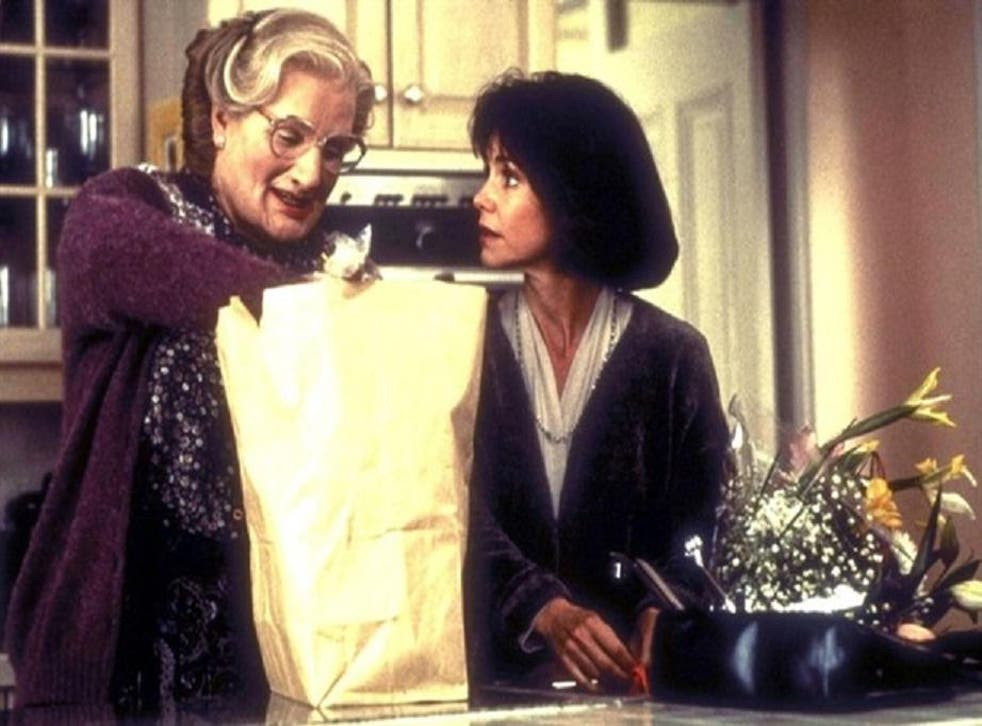 Robin Williams and Sally Field had great chemistry in Mrs Doubtfire