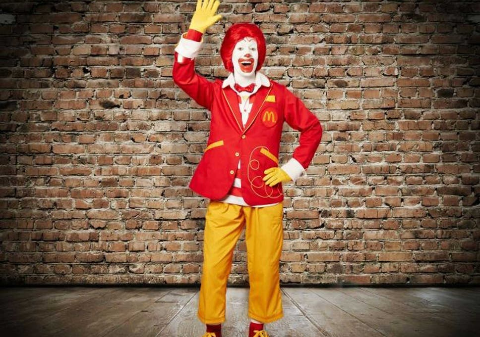 ronald mcdonald hasnt been kidnapping children even though he does look the type - Mcdonalds Open Christmas Day 2014