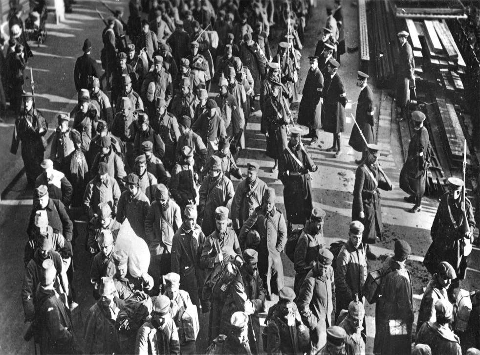 German military prisoners, at Southend-on-Sea, on their way to Knockaloe