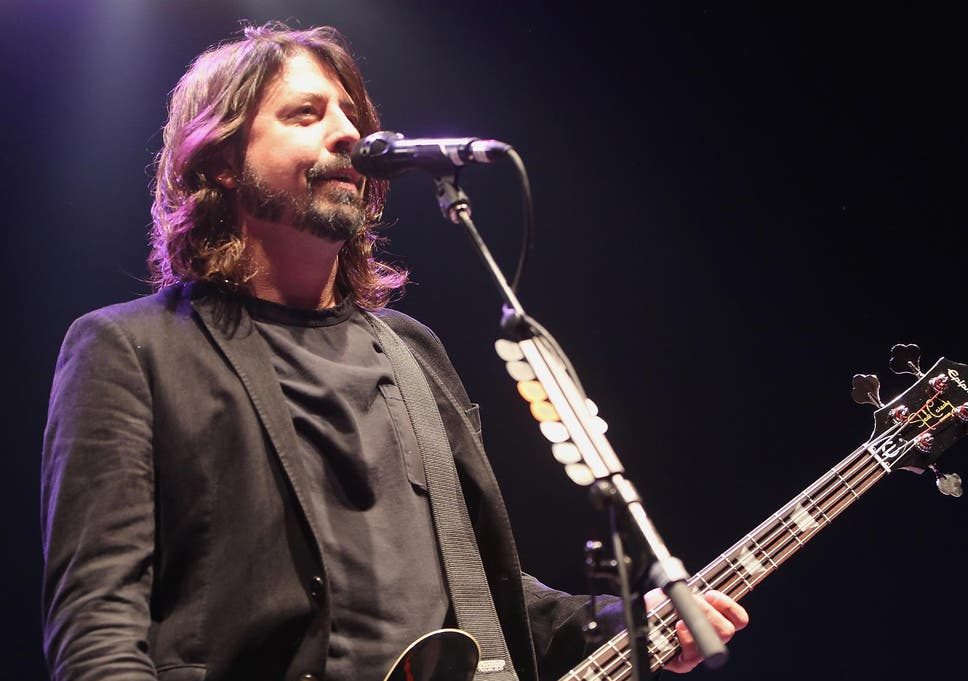 Foo Fighters Frontman Dave Grohl Will Be Directing The HBO Mini Series That Chronicle