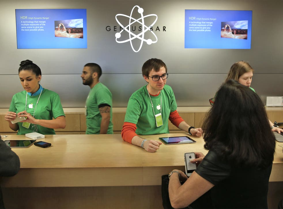 Apple's star has fallen with consumers as its once renowned customer service slips