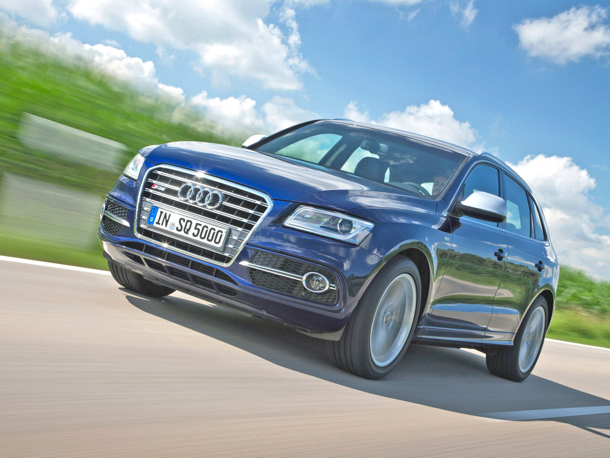 Audi sq5 motoring review it may not be flashy but this new suv is fearsomely fast the independent