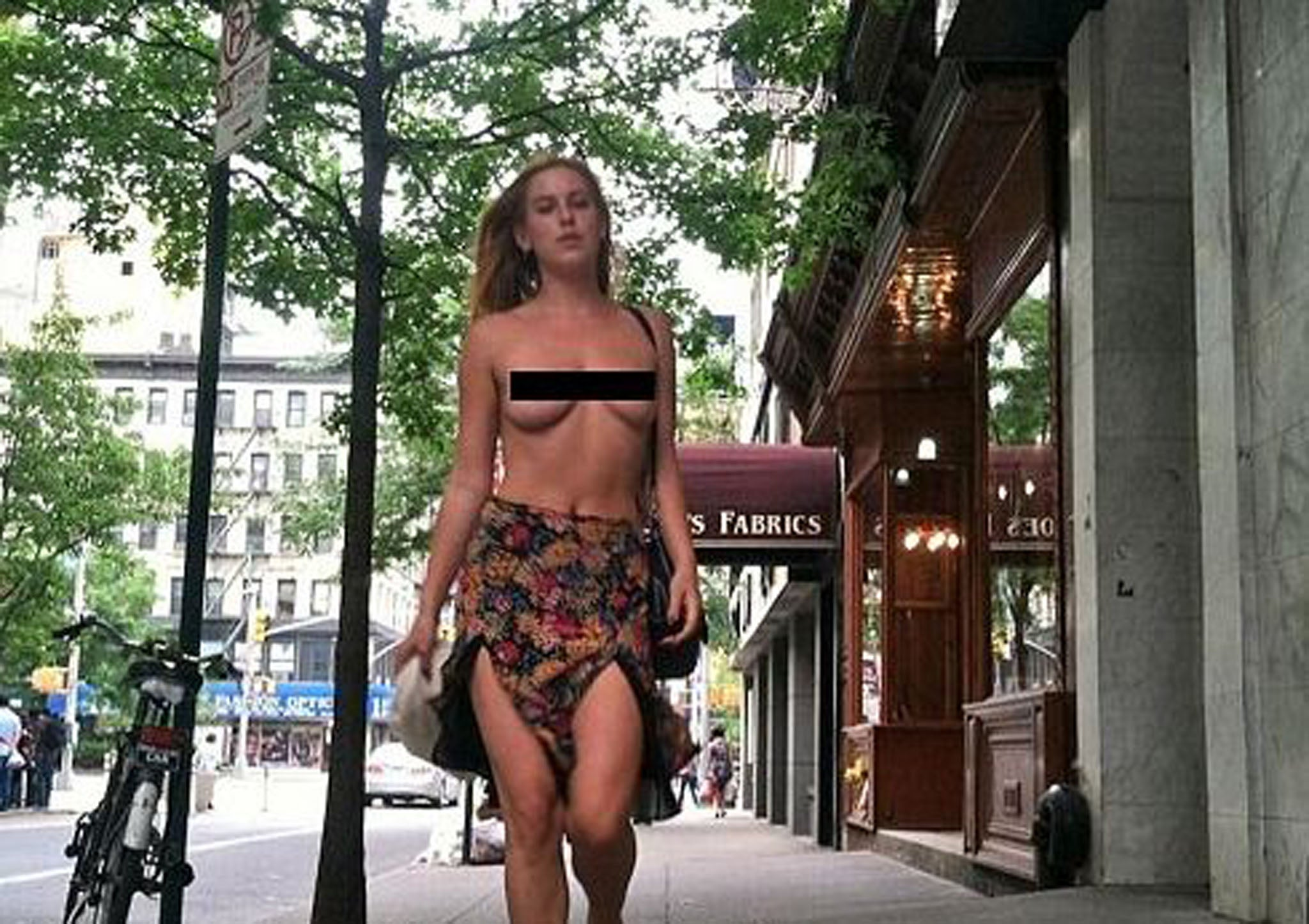 FreeTheNipple: Scout Willis Launches Topless Instagram Protest