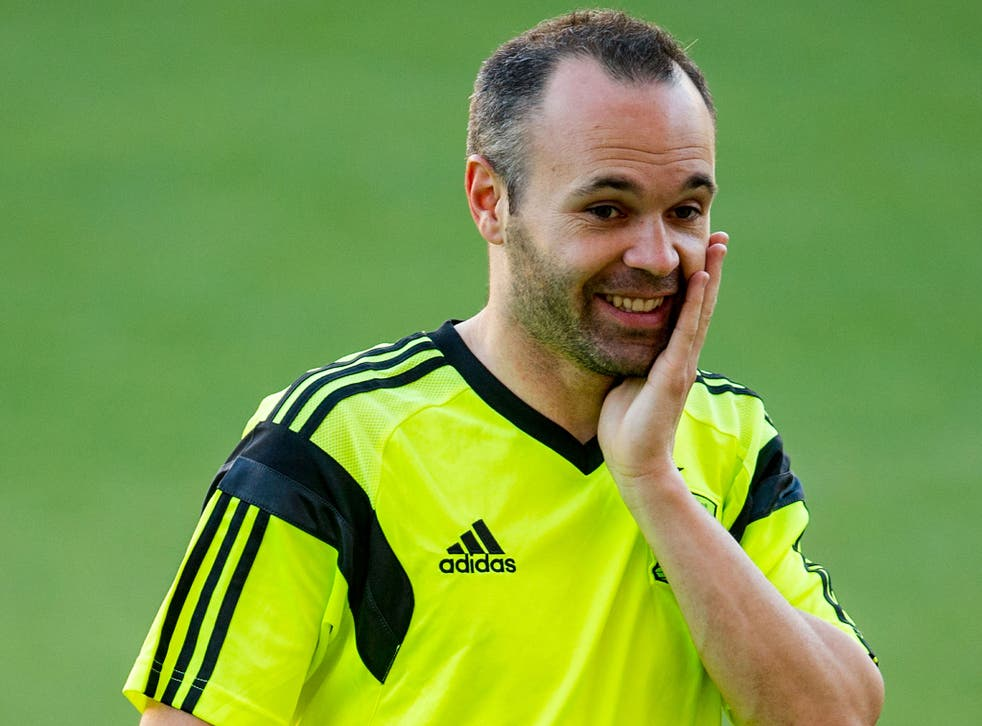 Andres Iniesta trains with the Spain squad