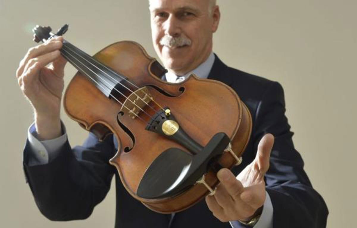 Rare Stradivarius Violin Hidden In Reclusive Heiress Closet For 25 Years Could Fetch 10m At Auction The Independent The Independent