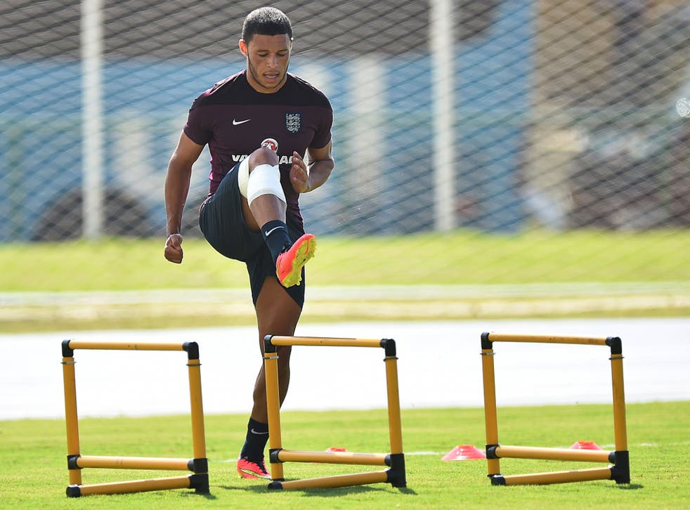 England's midfielder Alex Oxlade-Chamberlain takes part in a training session at the Urca military base in Rio de Janeiro on June 16, 2014.
