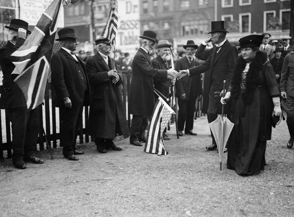 US Ambassador Page greeting veterans of the American Civil War at the opening of the Eagle Hut (Getty)